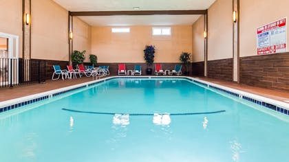 Pool | Best Western Vista Manor Lodge