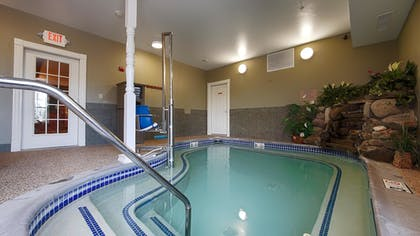 Pool | Best Western White House Inn