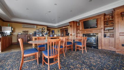 Breakfast Area | Best Western White House Inn