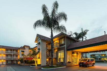 Exterior | Ramada by Wyndham Costa Mesa/Newport Beach
