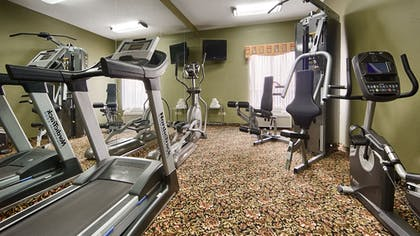 Fitness Facility | Best Western Crossroads Inn