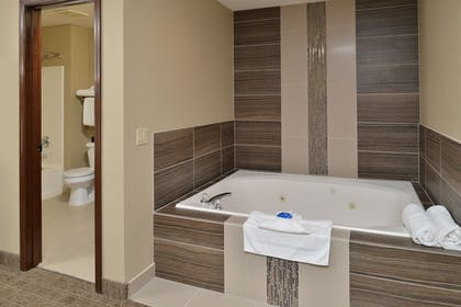 Jetted Tub | Best Western Plus Kennewick Inn