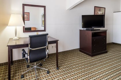 In-Room Amenity   Quality Suites Burleson - Ft. Worth