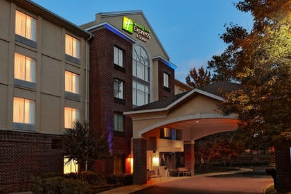 Featured Image | Holiday Inn Express Hotel & Suites Richmond-Brandermill
