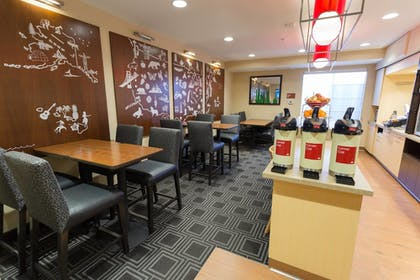 Restaurant | TownePlace Suites by Marriott Sunnyvale Mountain View