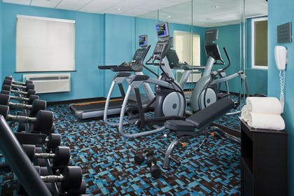 Sports Facility | Fairfield Inn & Suites by Marriott Houston Hobby Airport.