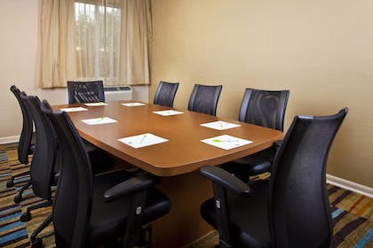 Meeting Facility | Fairfield Inn & Suites by Marriott Houston Hobby Airport.