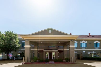 Featured Image | SureStay Plus Hotel by Best Western Mesquite