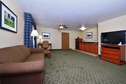 Living Area | Best Western Canon City