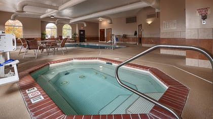Outdoor Spa Tub | Best Western Canon City