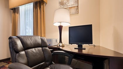 Business Center | Best Western Plaza Hotel Saugatuck