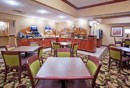 Restaurant | Holiday Inn Express Hotel & Suites Troy