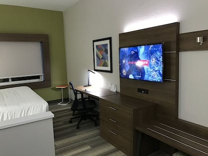 Guestroom | Holiday Inn Express Naples South I-75