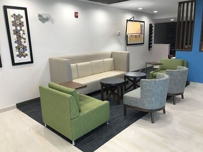 Lobby | Holiday Inn Express Naples South I-75