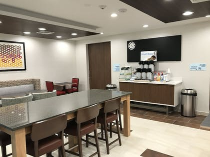 Restaurant | Holiday Inn Express Naples South I-75