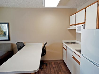 In-Room Kitchen | Extended Stay America -Orlando-Lake Mary-1040 Greenwood Blvd