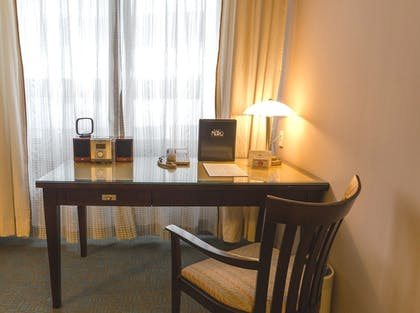 In-Room Business Center | Hotel Metro