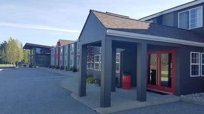 Hotel Front | Hotel Ruby Ponderay/Sandpoint