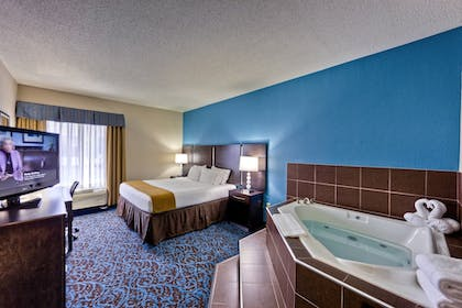 Guestroom | Holiday Inn Express Chillicothe East