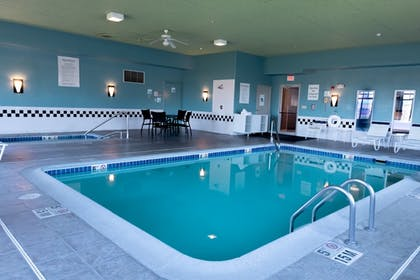 Pool | Holiday Inn Express Pendleton