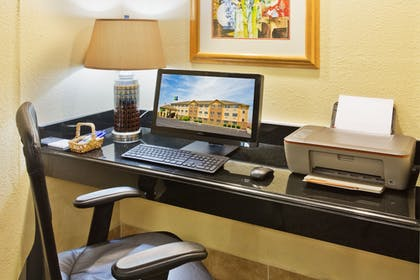 Business Center | Holiday Inn Express Pendleton