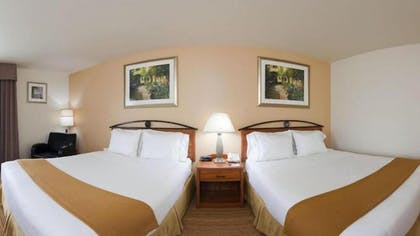 Guestroom | Holiday Inn Express Germantown - NW Milwaukee