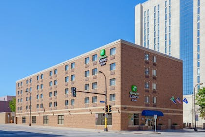 Featured Image | Holiday Inn Express Hotel & Suites Downtown Minneapolis