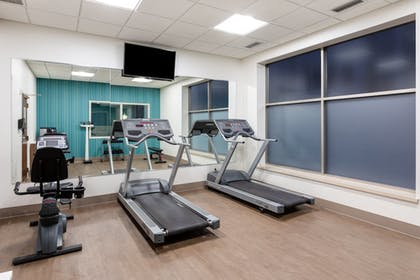 Fitness Facility | Holiday Inn Express Hotel & Suites Downtown Minneapolis