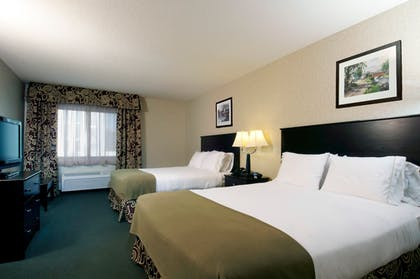 Room | Holiday Inn Express Hotel & Suites Downtown Minneapolis