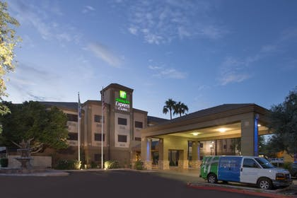 Hotel Front | Holiday Inn Express Hotel & Suites Phoenix Downtown-Ballpark