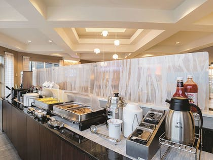 Breakfast Area | La Quinta Inn & Suites by Wyndham Phoenix Chandler