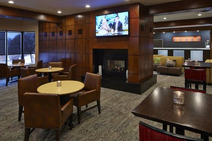 Hotel Bar | Courtyard by Marriott Bloomington by Mall of America