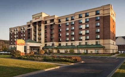 Terrace/Patio | Courtyard by Marriott Bloomington by Mall of America
