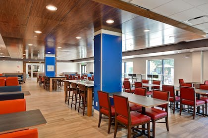 Dining | Holiday Inn Express Boston