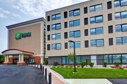 Featured Image | Holiday Inn Express Boston