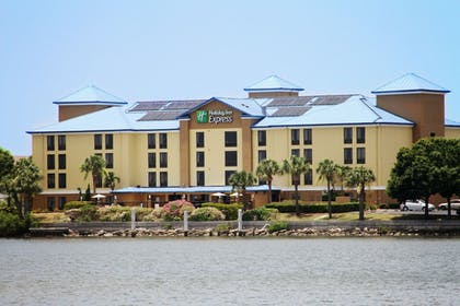 Featured Image | Holiday Inn Express Hotel & Suites Tampa-Rocky Point Island