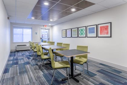 Meeting Facility | Holiday Inn Express & Suites Scottsburg