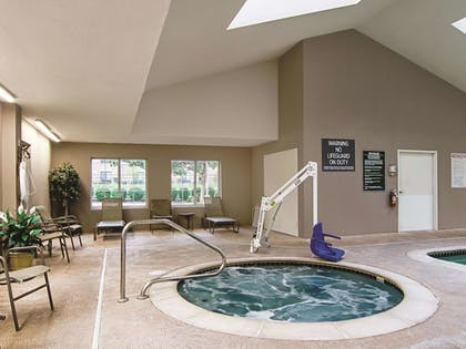 Pool | La Quinta Inn & Suites by Wyndham Denver Airport DIA