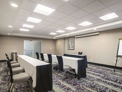 Meeting Facility | La Quinta Inn & Suites by Wyndham Denver Airport DIA