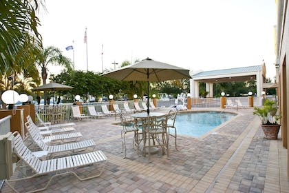 Pool | Best Western Plus Ambassador Suites Venice