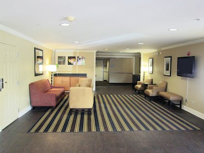 Lobby | Extended Stay America - Seattle - Renton