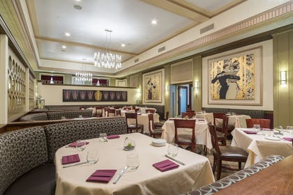 Dining | Ambassador Hotel - Milwaukee