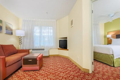 Guestroom | TownePlace Suites Houston Brookhollow
