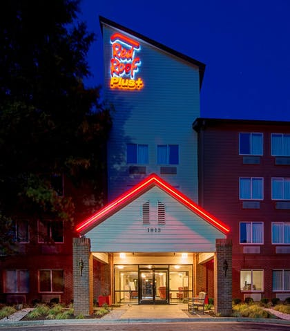 Exterior | Red Roof Inn PLUS+ Raleigh NCSU - Convention Center