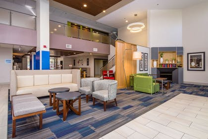 Lobby | Holiday Inn Express Hotel & Suites Phoenix-Airport