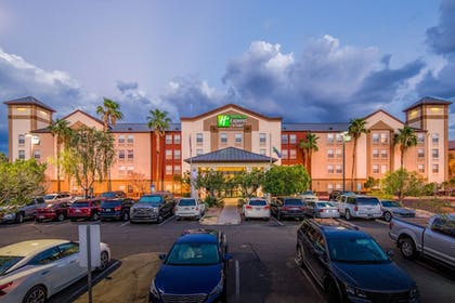 Featured Image | Holiday Inn Express Hotel & Suites Phoenix-Airport