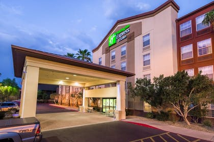 Exterior | Holiday Inn Express Hotel & Suites Phoenix-Airport
