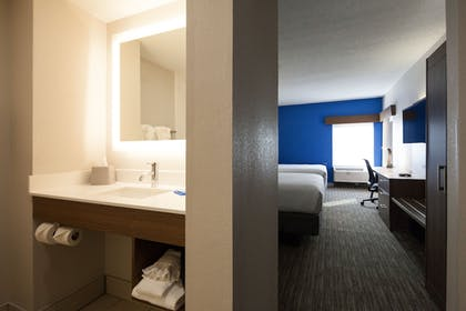 Bathroom | Holiday Inn Express & Suites Brentwood North-Nashville Area