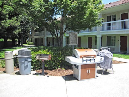 Terrace/Patio | Extended Stay America San Jose - Mountain View