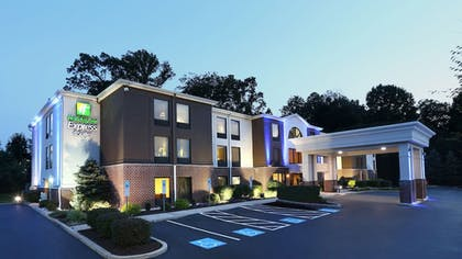 Featured Image | Holiday Inn Express Hotel & Suites West Chester